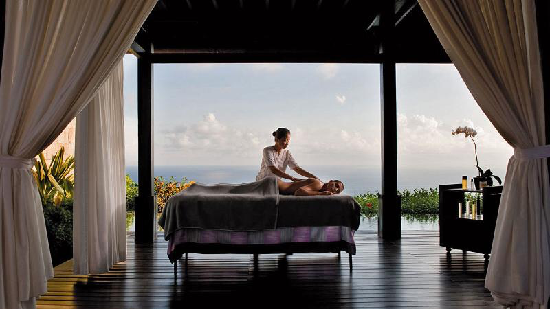 A back rub, a foot rub, a head rub - you name it! Enjoy relaxing massage anywhere in Bali. We'll promise you'll do it more than once!