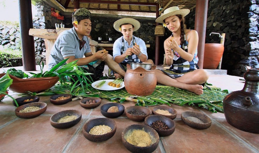 Learn how to cook a proper Balinese meal. Bali offers a variety of cooking classes, that take your skills to a next level.