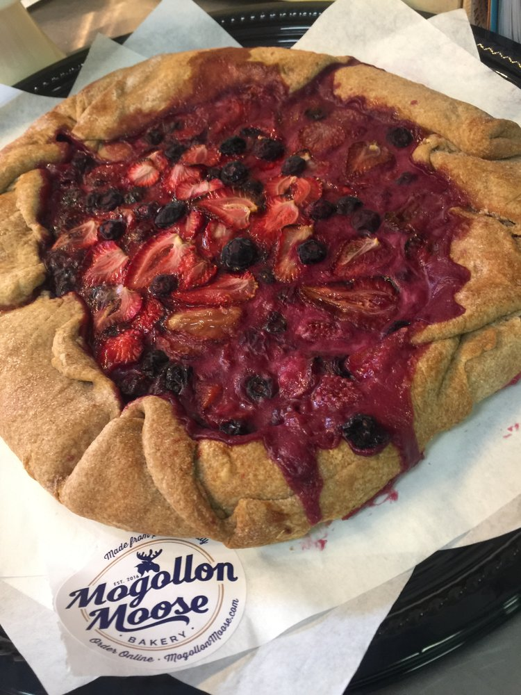 Fresh-baked berry pie at Mogollon Moose