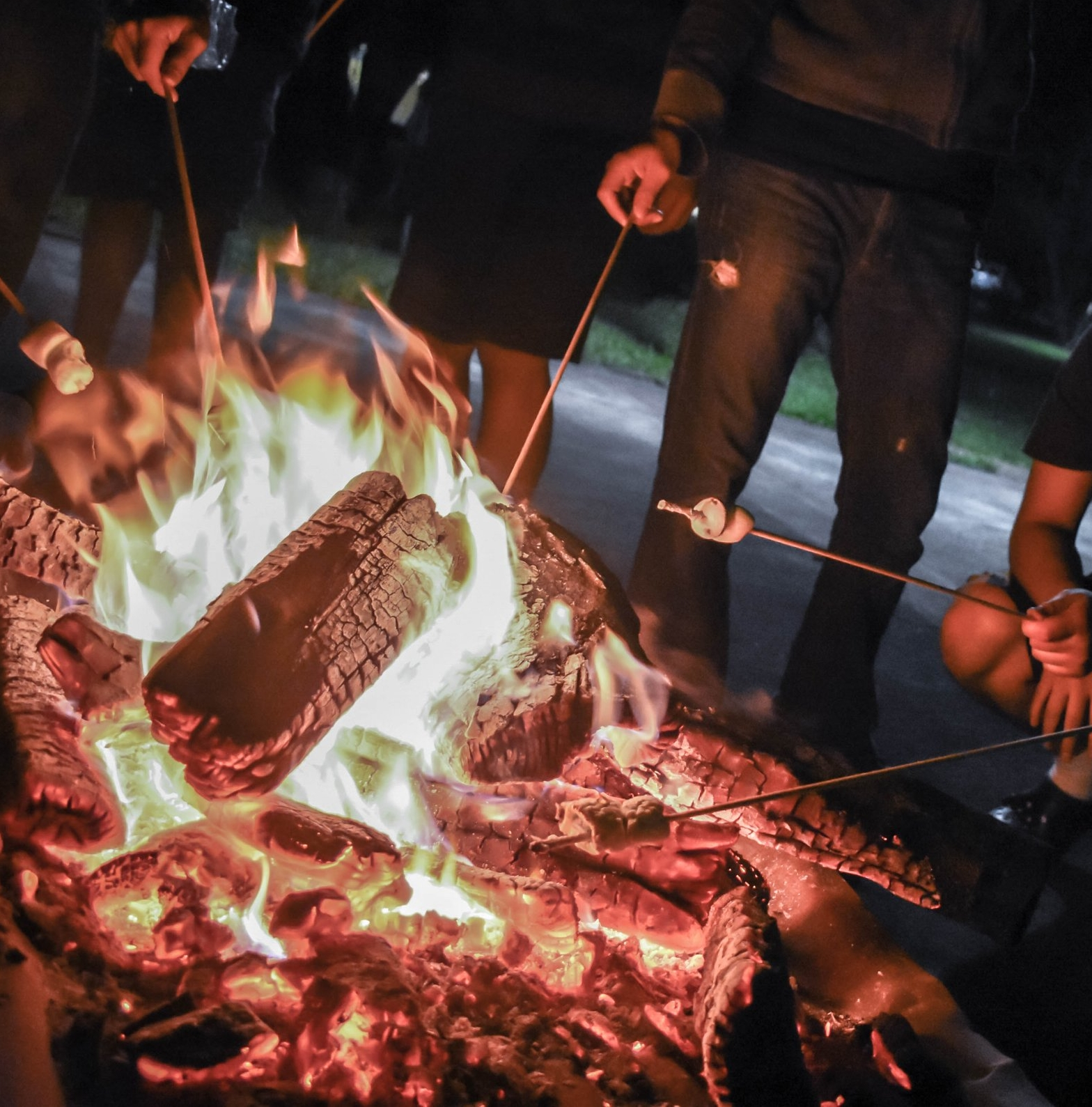 adult-campfire-celebration-783928.jpg