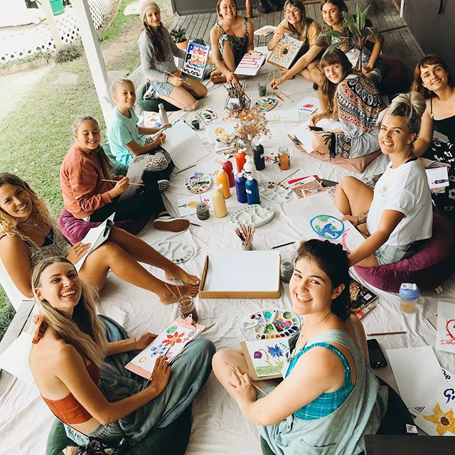 Day 1 fun of our sold out workshop in Byron Bay 🌻 This activity is 'creative expression'.. Can't wait to see you all tomorrow!💛 #artivism #arttherapy #selflove #artworkshop