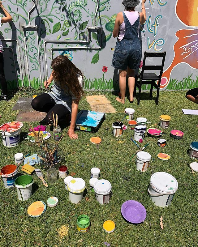 "Thank you to Ecolour who provided NO VOC, non toxic, water based paints! We were also able to exclusively use colours from their ""wrong mix"" pile.. Because true sustainability is about working with what you already have! ♻️ Also a huge thanks to @bunnings who provided high quality brushes for us to be able to reuse in many murals to come!  These workshops wouldn't be possible without our sponsors and we couldn't be more grateful for the community support. 🙏  #ecolour#sustainablepaints#nontoxic#paintworkshop"