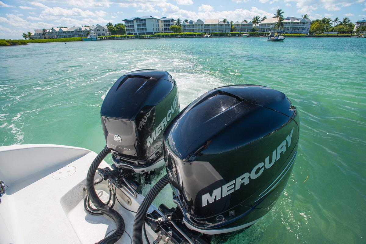 """Mercury Aussenborder  Außenbordmotoren von Mercury® werden in den USA produziert. Es wird auf bewährte Qualität gesetzt, so dass die Mercury Motoren heute als besonders langlebig und ausdauernd gelten. Das Sortiment umfasst neben den beliebten """"Fourstroke""""-Motoren verschiedenste Typen, wie etwa die """"Sailpower""""-Ausführungen für Segelboote, die """"SeaPro"""" für den professionellen Einsatz und die """"Verado""""-Serie für den High-Performance-Bereich. Die Außenborder von Mercury sind bei uns in unterschiedlichsten Größen von 2.5 bis 400 PS erhältlich.  Mehr über die Außenborder von Mercury erfahren."""