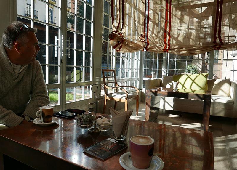 Quiet cafes and restaurants