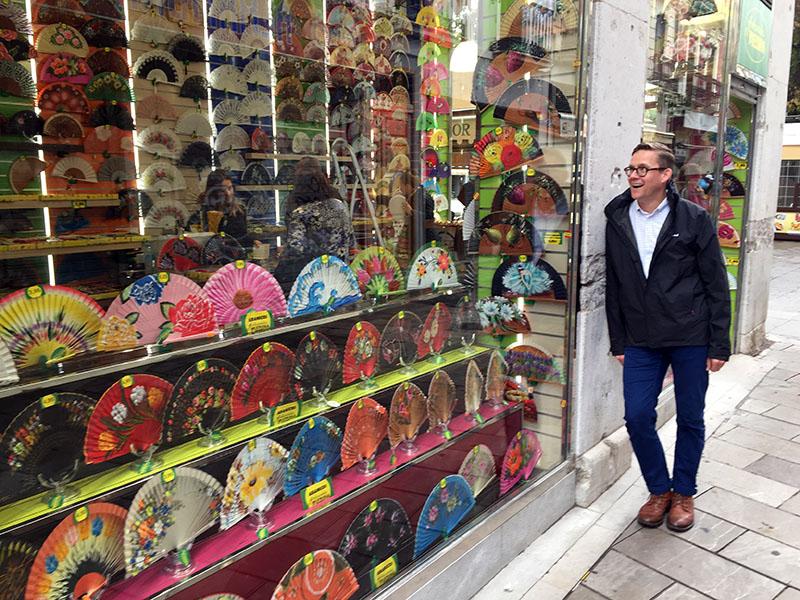Fan shops