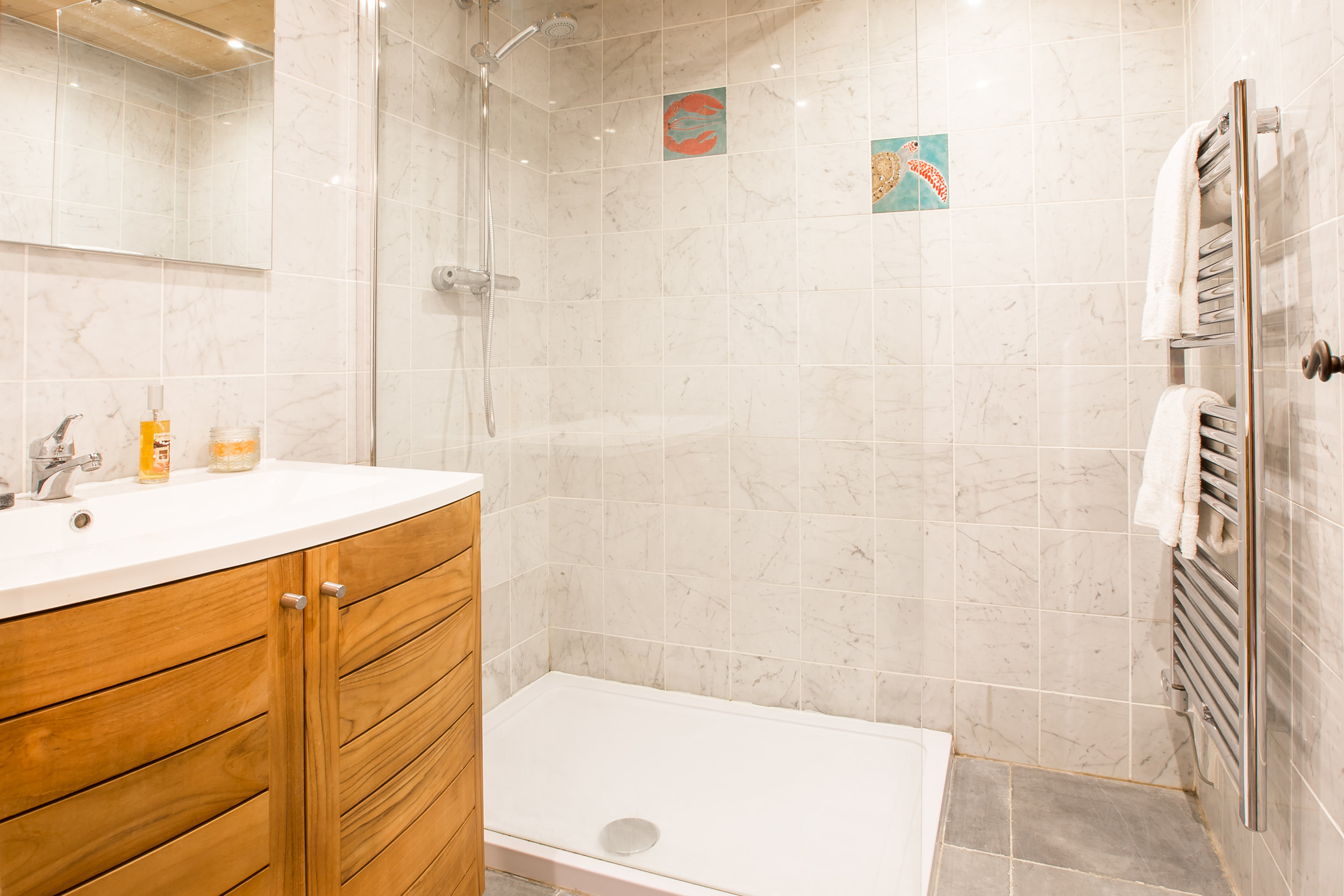 Shower and bath-3.jpg