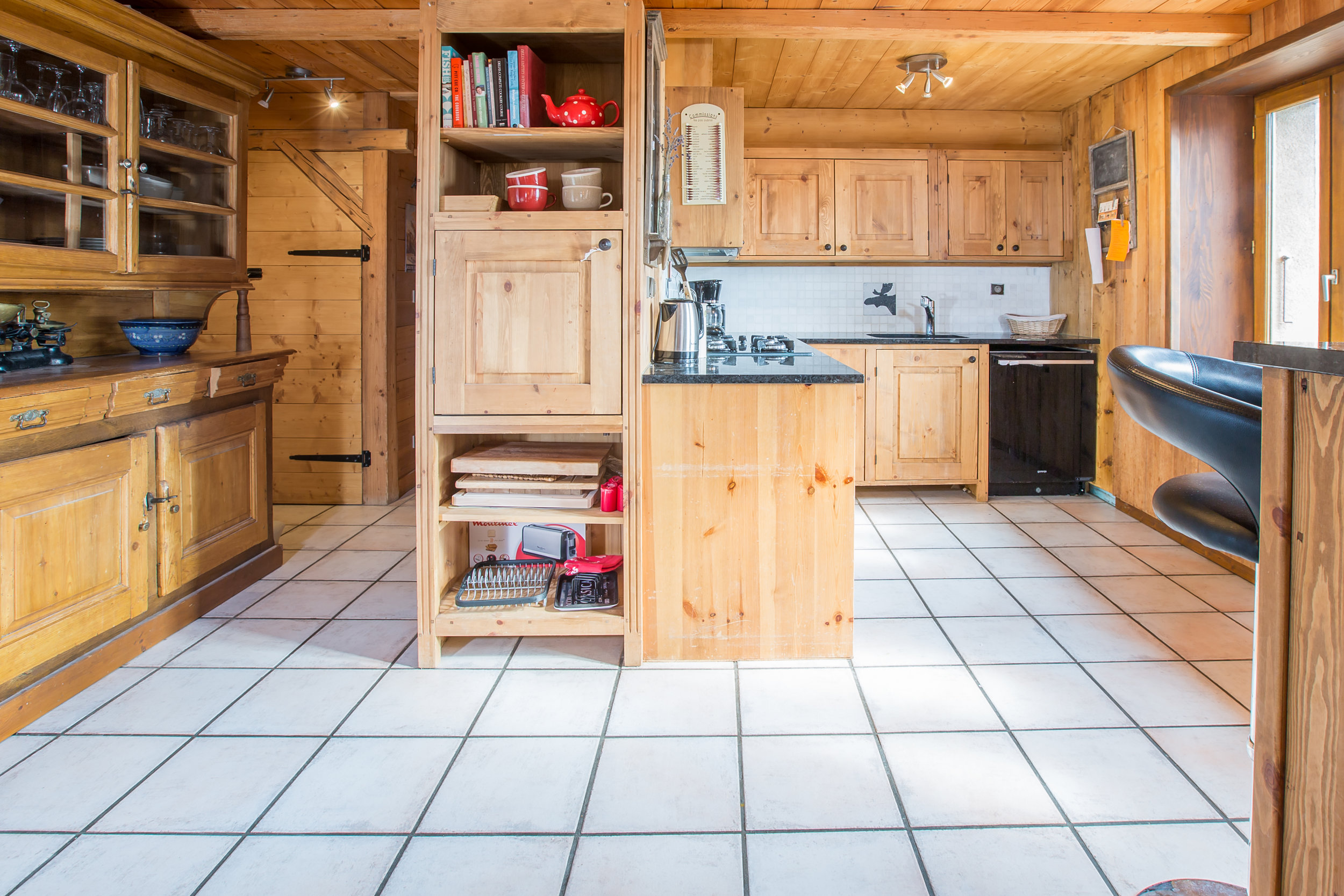 Living area-4.jpg