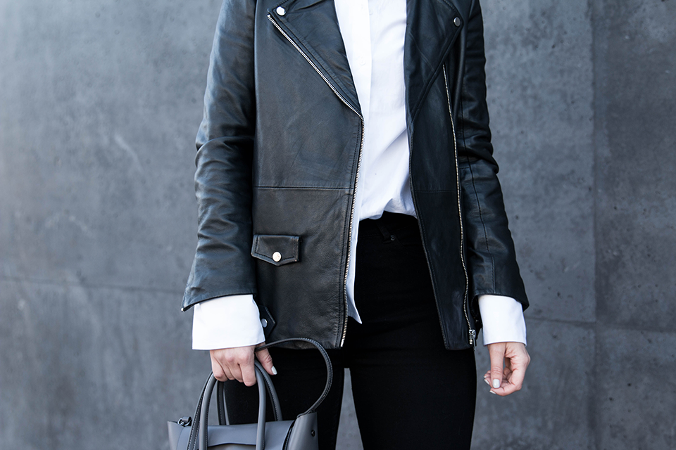 noa-noir-fashion-outfit-monochromatic-minimal-style-oversized-bell-sleeves-leather-jacket-2.png