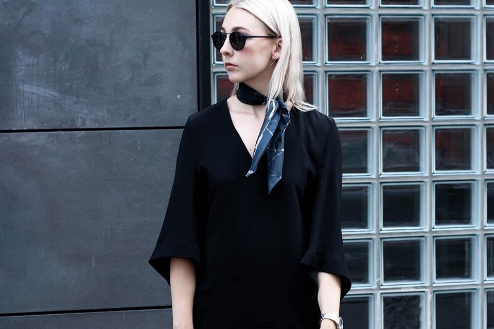 noa-noir-fashion-outfit-all-black-monochrome-spring-look-marble-neckscarf-3.jpg