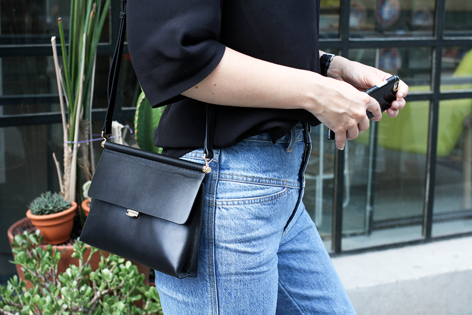 noa-noir-fashion-outfit-closed-archive-pedal-pusher-denim-minimal-summer-style-3.png
