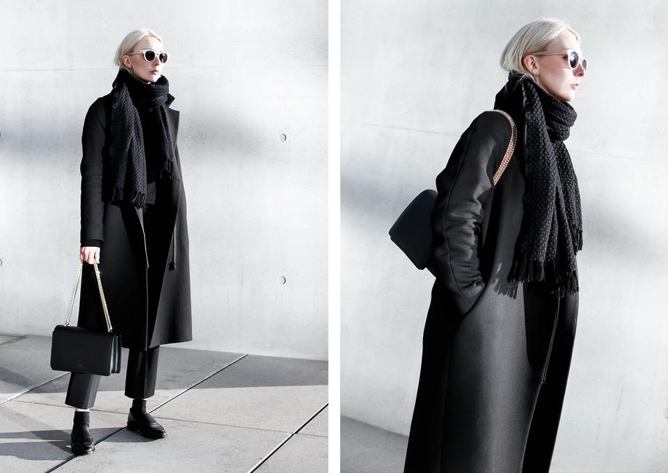 noa-noir-fashion-outfit-all-black-monochrome-minimal-inspiration-chain-bag-silver-blonde-3.png