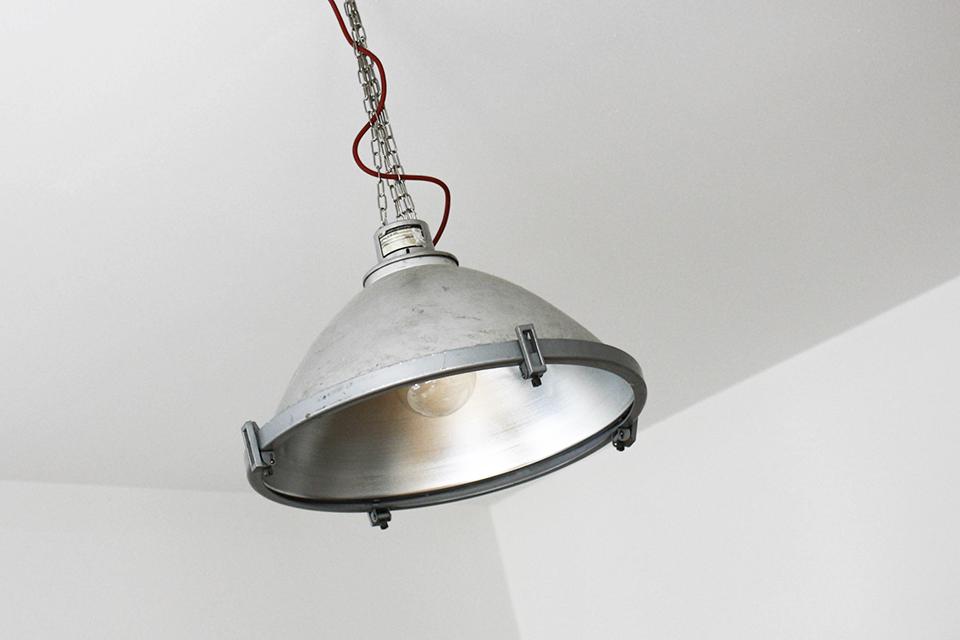 noa-noir-art-home-minimal-interior-design-inspiration-monochrome-styling-5.png