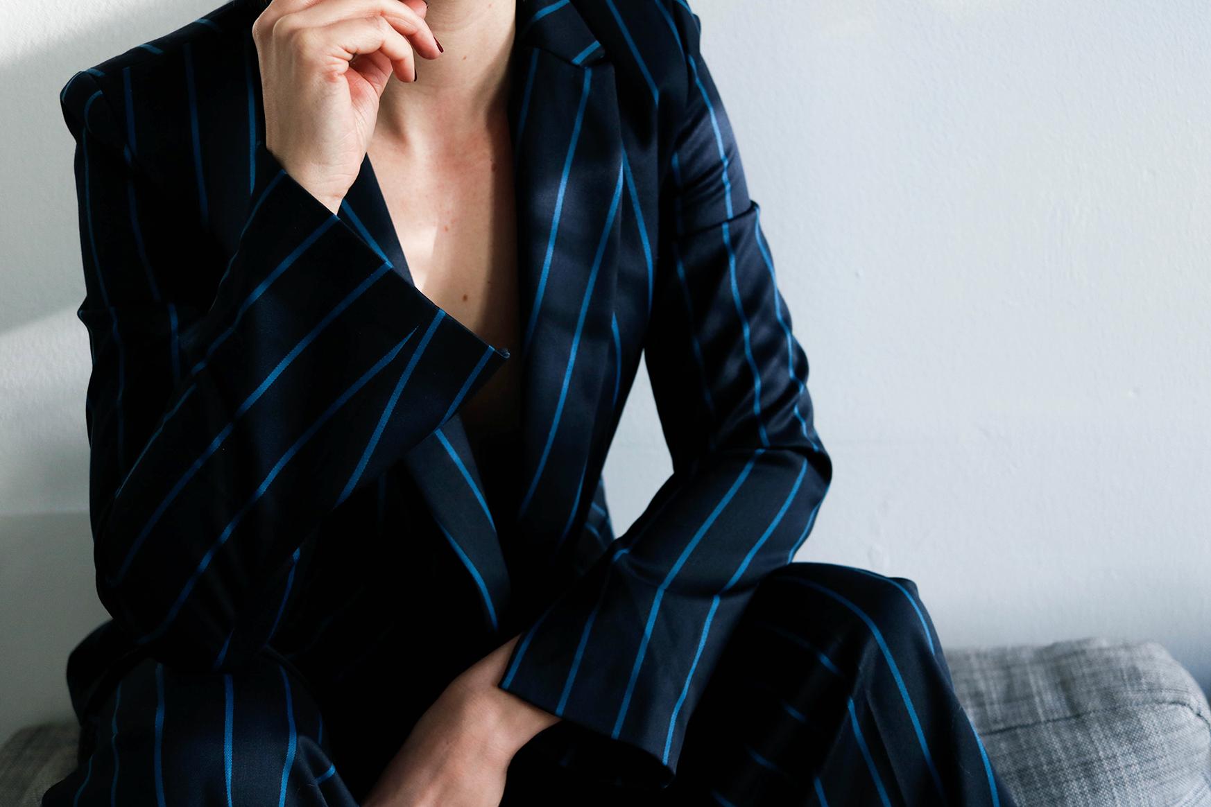 - Kiomi x Clo suit