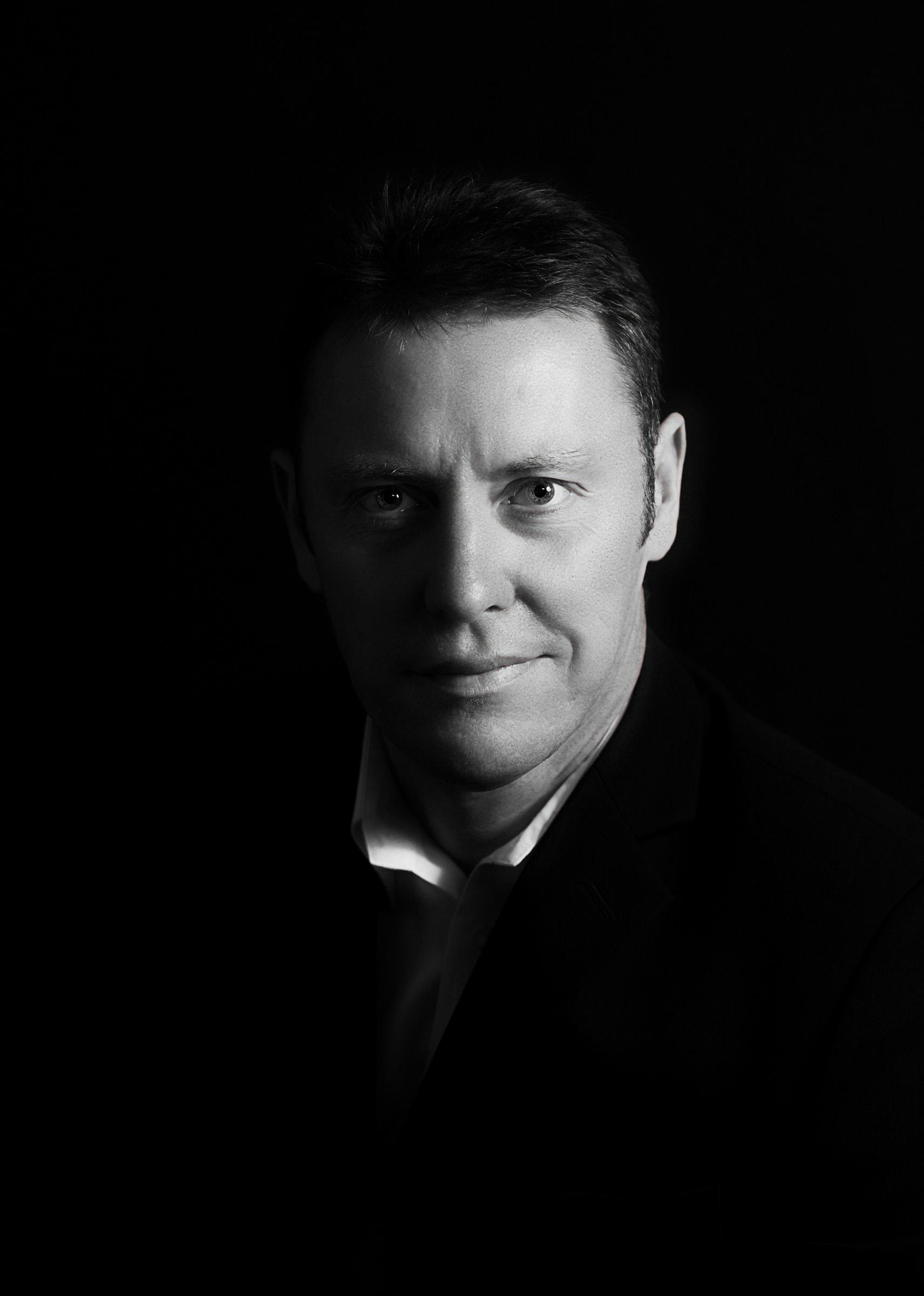 Profile image_Philip Hawkins media.jpg