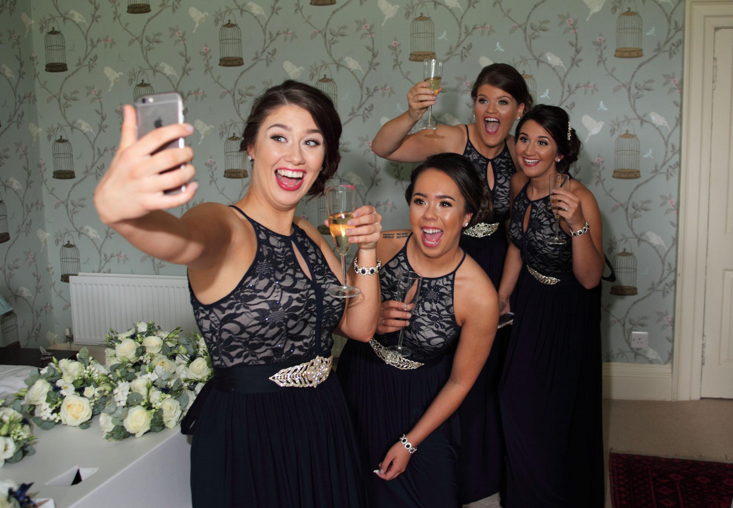 Bridesmaids_selfie_Edinburgh wedding photography.jpg