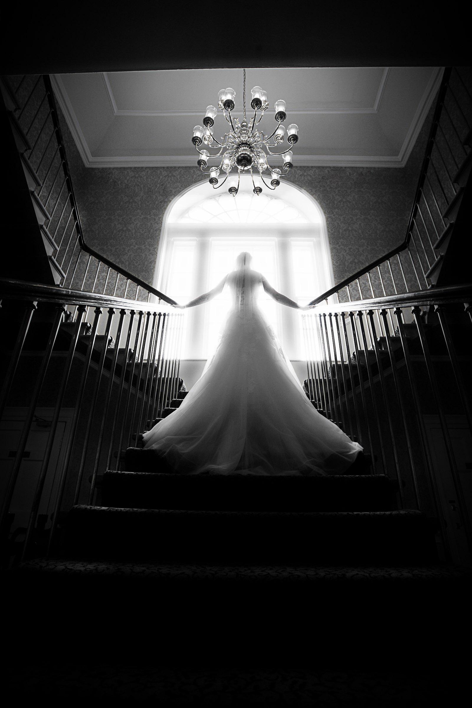 Classic_Bridal_staircase_photograph.jpg