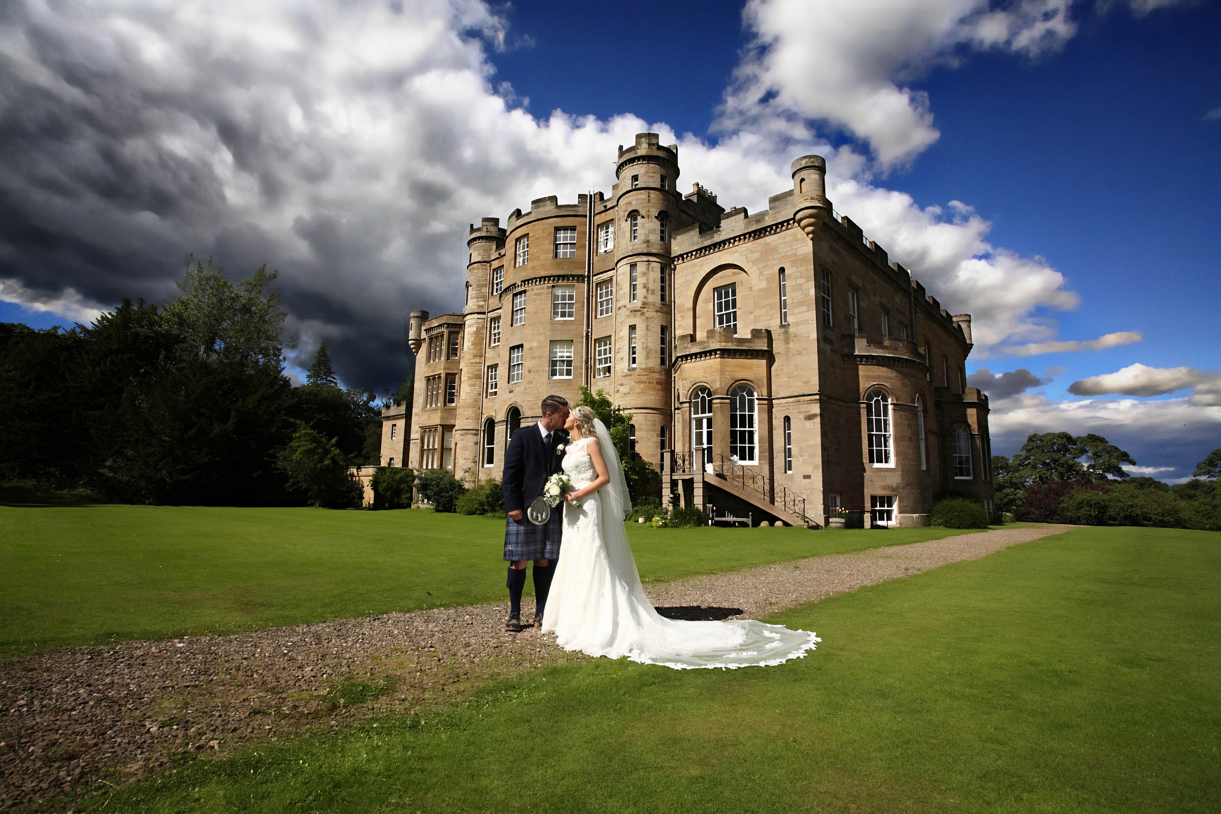 Classic_Scottish_Castle_wedding.jpg