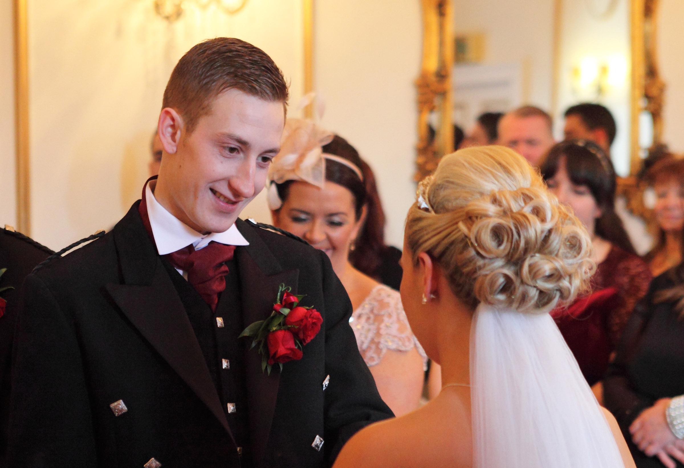 Look_love_wedding photographer Edinburgh.jpg