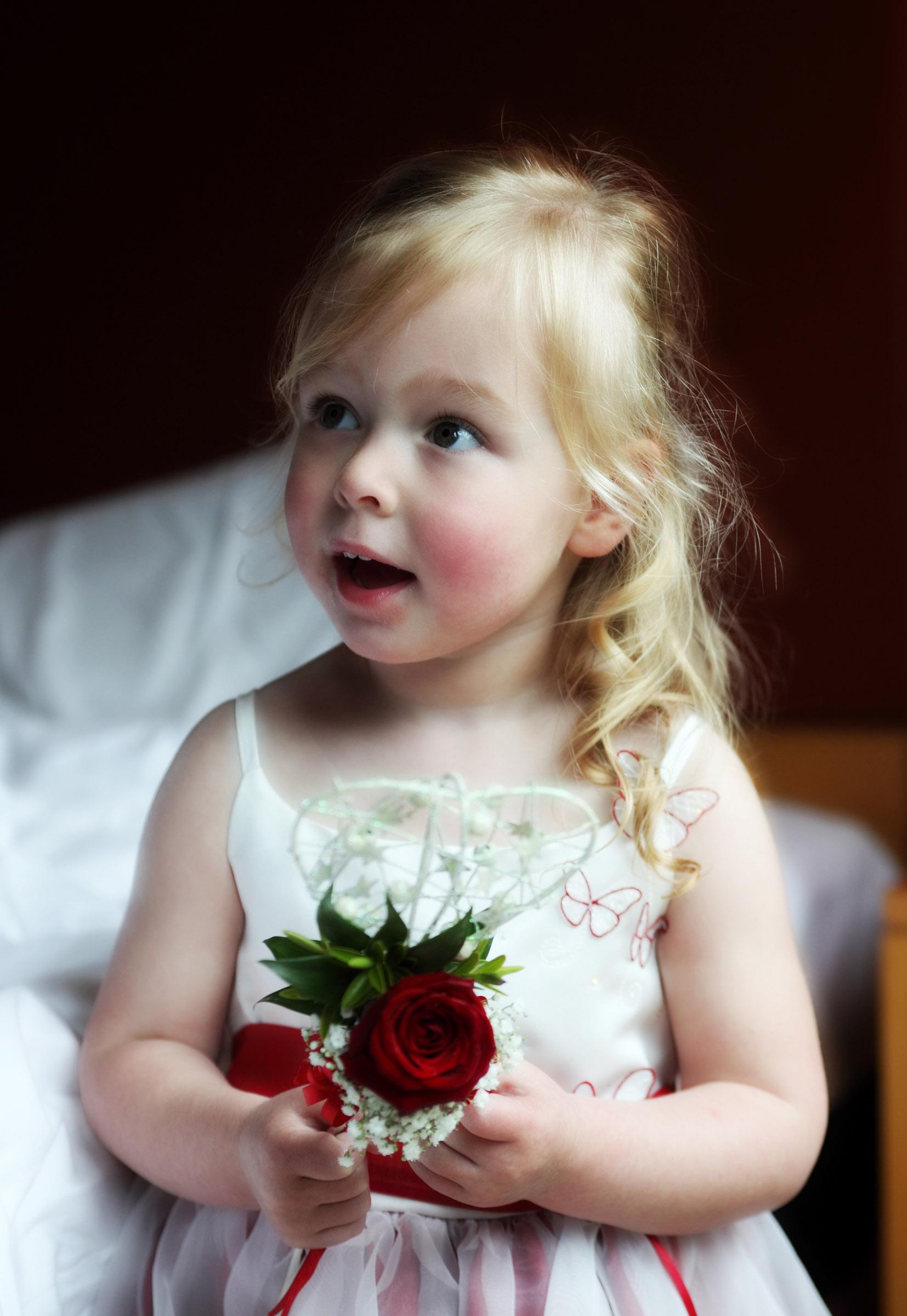 Super_cute_Flower_Girl.jpg