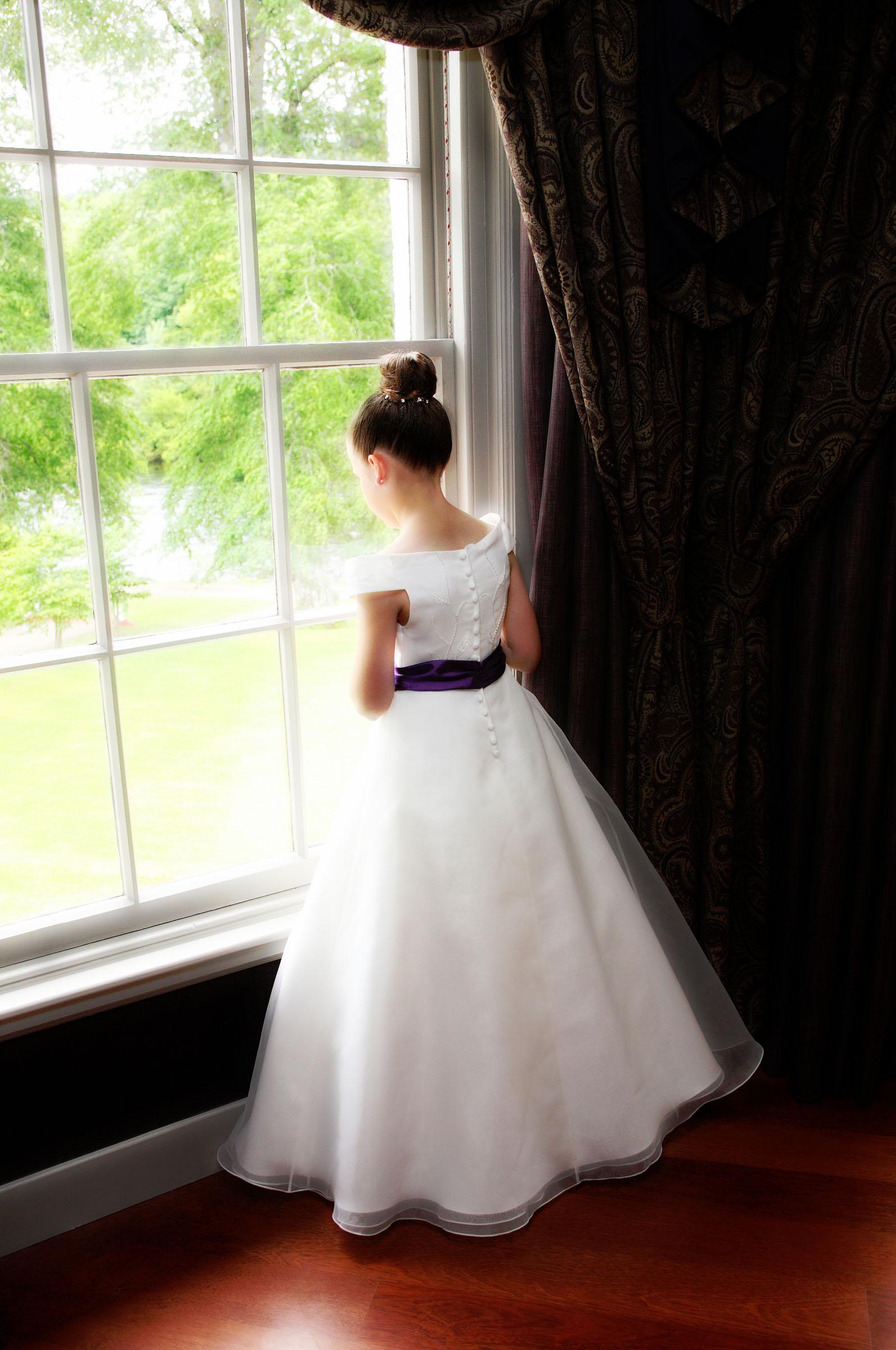 Flower_Girl_at_window.jpg