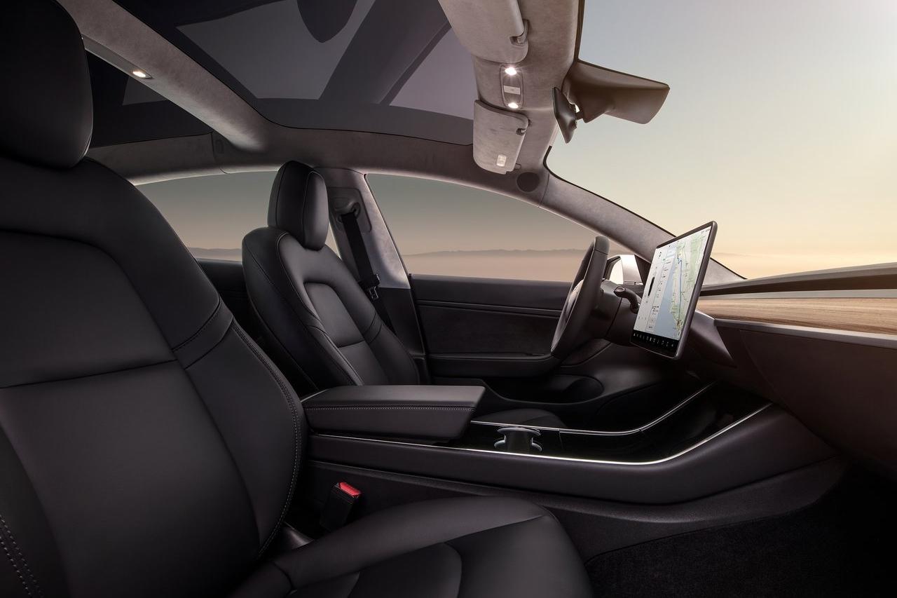 Tesla-Model_3-2018-1280-0c.jpg