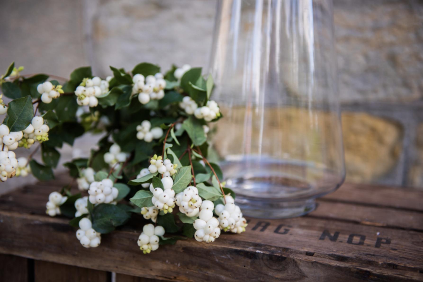 lorraine-wood-flowers-vase-1.png