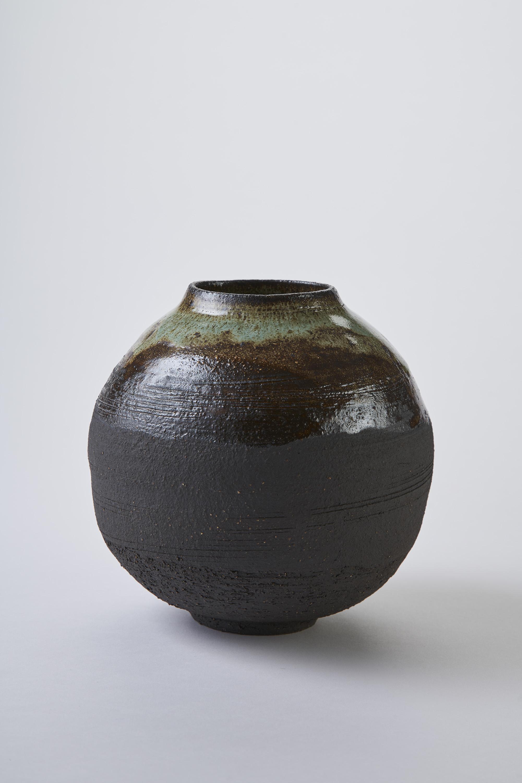 KA Ceramics Black stoneware moon jar with copper gloss glaze and dol and tin glaze, 6.5cm x 17cm. Matthew Booth Photography.jpg