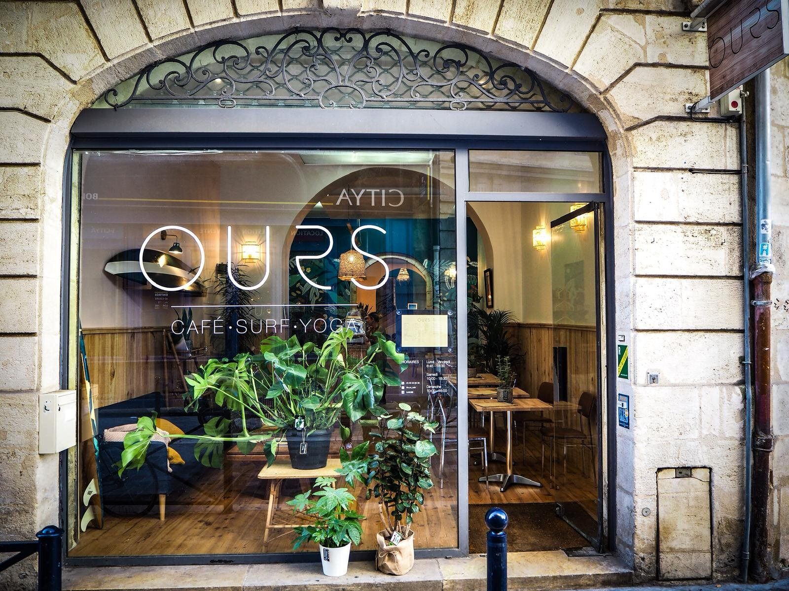 Virginie-sourou-hypnotherapie-meditation-bordeaux-atelier-cafe-ours-surf-yoga