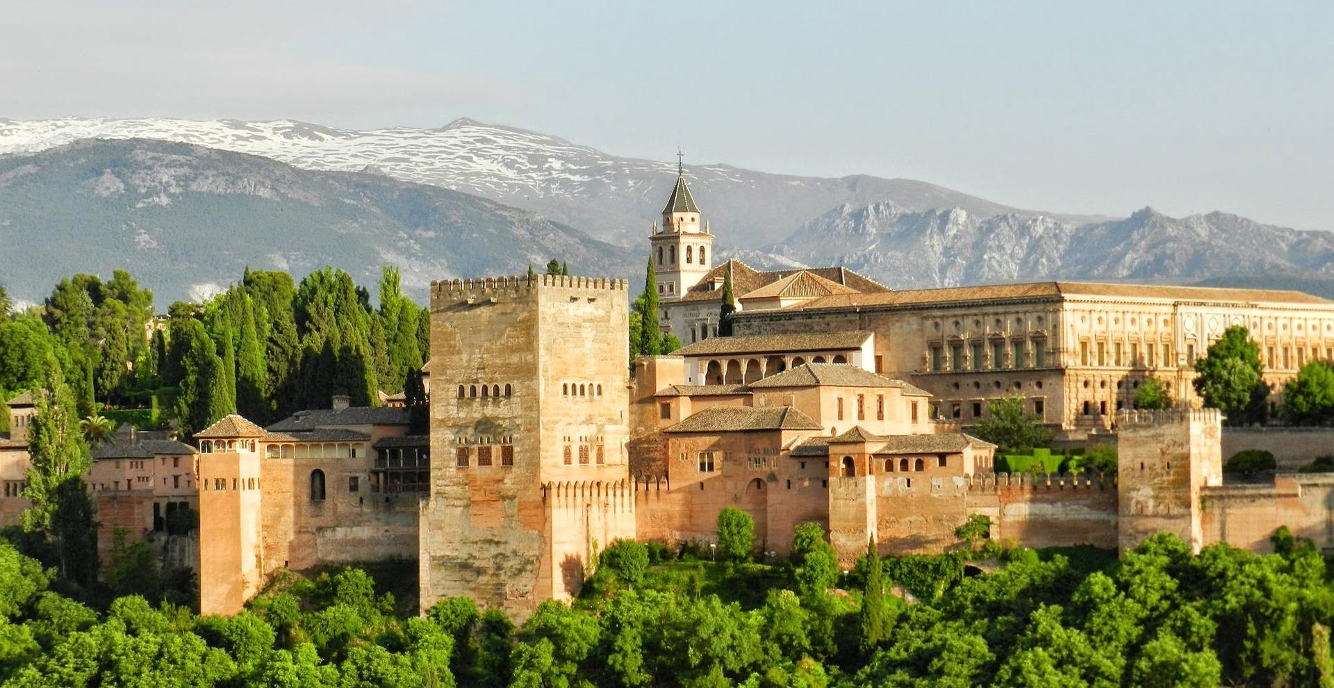 alhambra-967024_1920.jpg