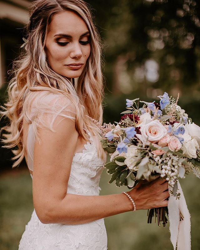 As if my feed didn't have enough of @meg__brick ! Here's one more! 😂💖💐👰🏼 . . 📸by: @sarah.brookhart . @shimmerandspice bride . . #makemeamermaid #makeupmarylaff #chicagomua #chicagomakeupartist #chicago #chicagomakeup #chicagowedding #chicagobride #chicagoweddingmua #chicagoweddingmakeupartist #chicagoweddingmakeup #makemeamermaidmakeup #chicagobridemakeup #chicagoweddinginsparation #chicagophotography #chicagoculturalcenter #chicagoweddingplanner #chicagohistorymuseum #murphyauditorium #ivyroom #chicagogram #chicagobridalmua #chicagophotographer #windycity