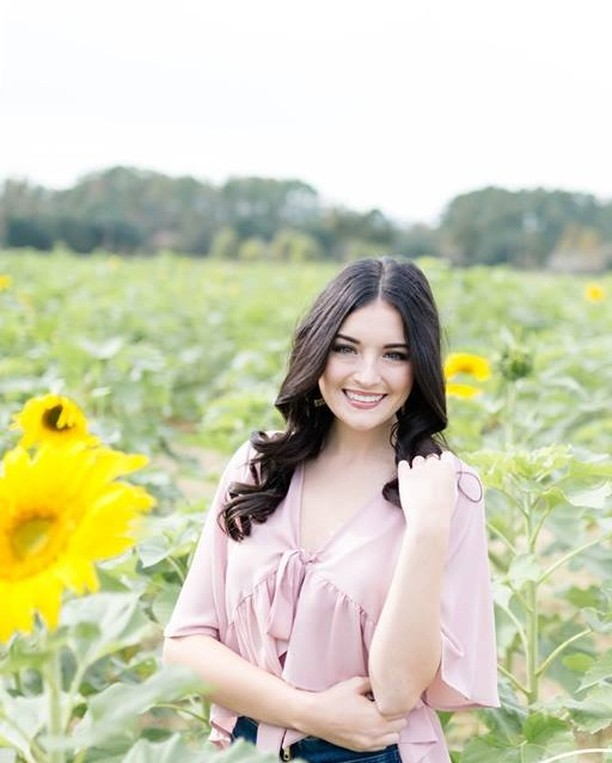 Are you be a 2020 Senior? If so- NOW is the time to schedule your senior sessions! ⠀⠀⠀⠀⠀⠀⠀⠀⠀ www.ChelsieHebertPhotography.com⠀⠀⠀⠀⠀⠀⠀⠀⠀ .⠀⠀⠀⠀⠀⠀⠀⠀⠀ .⠀⠀⠀⠀⠀⠀⠀⠀⠀ .⠀⠀⠀⠀⠀⠀⠀⠀⠀ #chelsiehebertphotography #photography #photographer ⠀⠀⠀⠀⠀⠀⠀⠀⠀ #louisianaphotographer #southlouisianaphotographer #seniorpictures #seniorphotographer #thatlacommunity #photooftheday #seniorphotography #seniorstyleguide