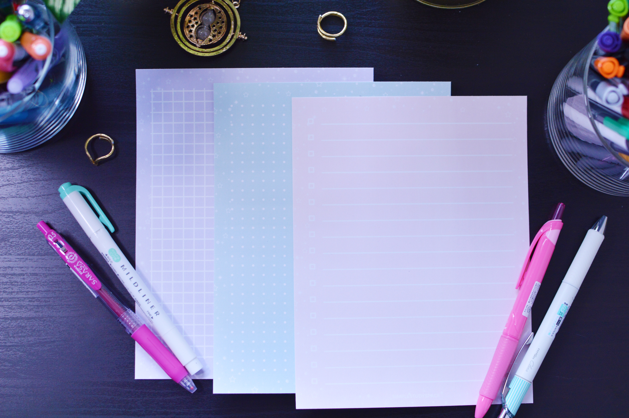 Lined Grid, Dotted Grid and Checklist formats shown. This post is for the top checklist format.