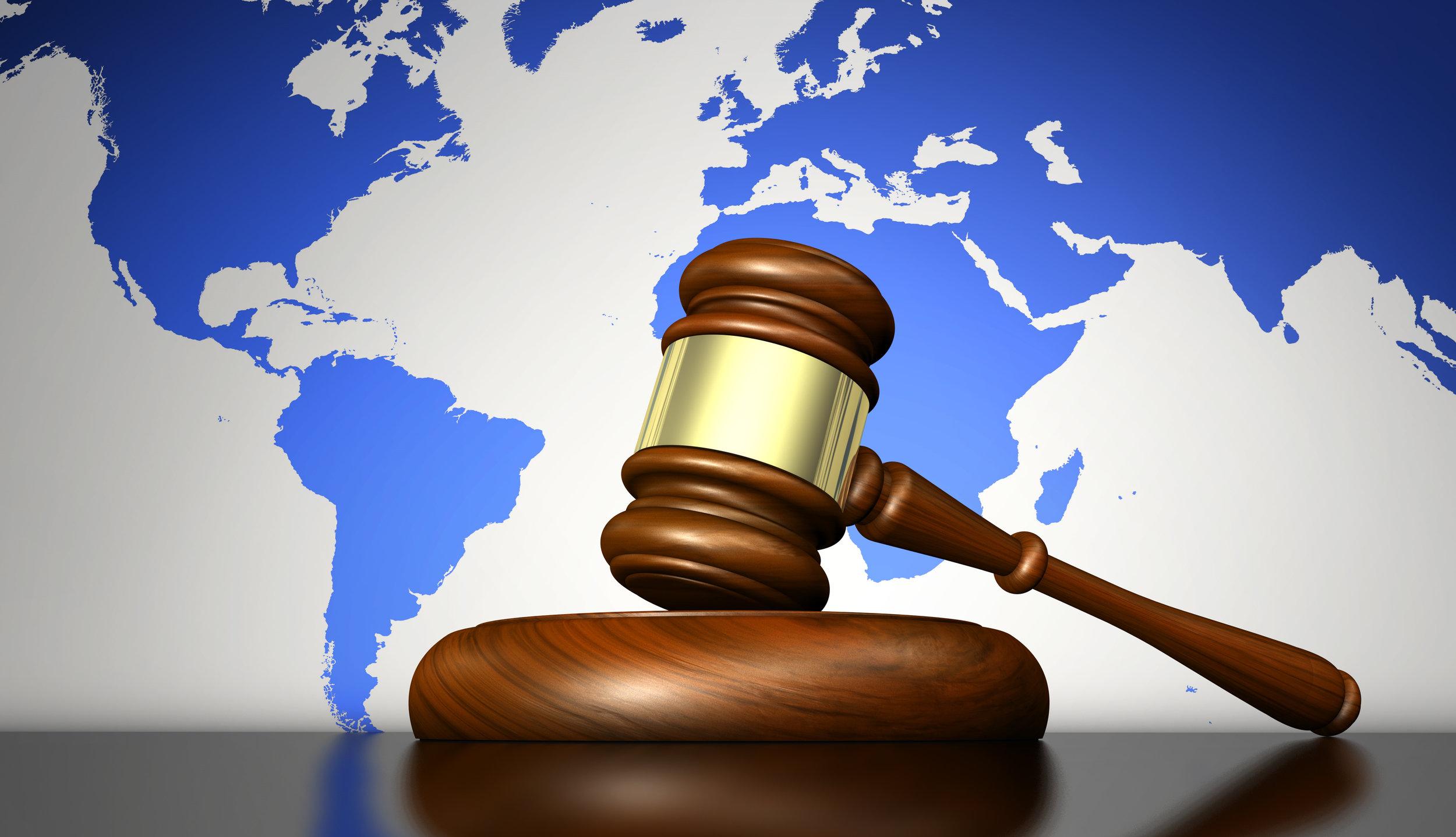 Droit International - Votre newtech ne répond d'aucune norme ?Votre premier marché est complexe ?Votre projet est sans frontière ?Notre réseau d'avocats vous conseillera sur la stratégie long terme à adopter à l'international et vous accompagnera dans le positionnement légal de votre produit.