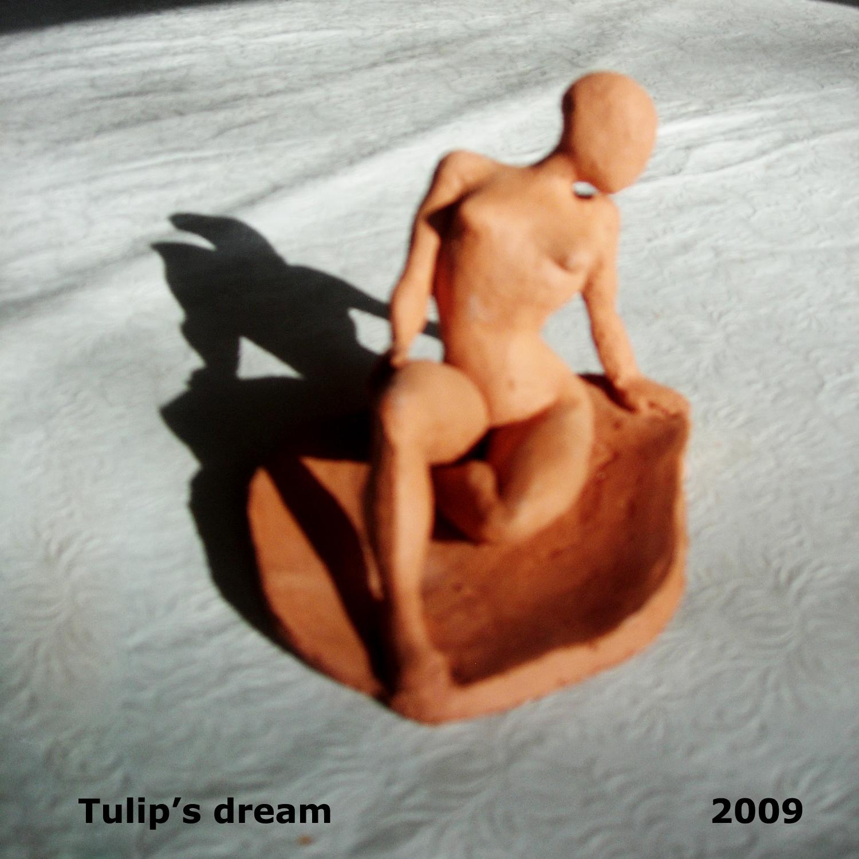 Tulip-woman.jpg