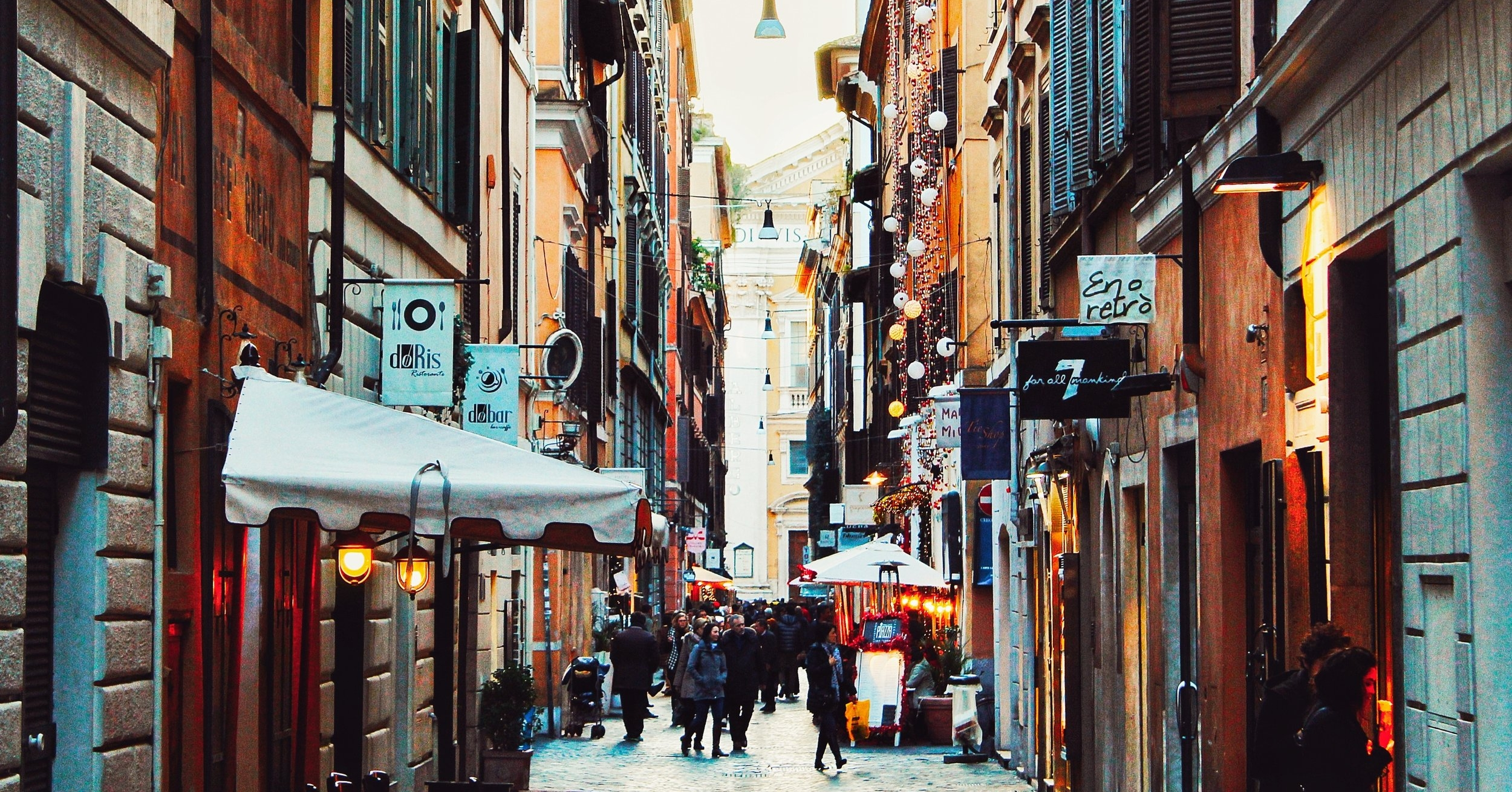 alley-architecture-buildings-397434.jpg