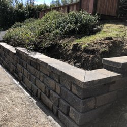 retaining wall more.jpg