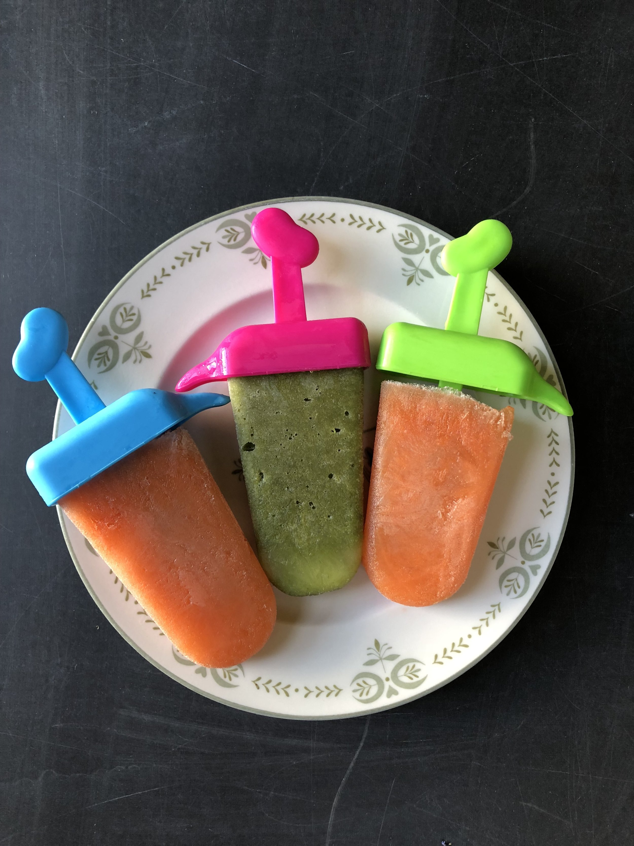 carrot.and.apple.pops.jpg