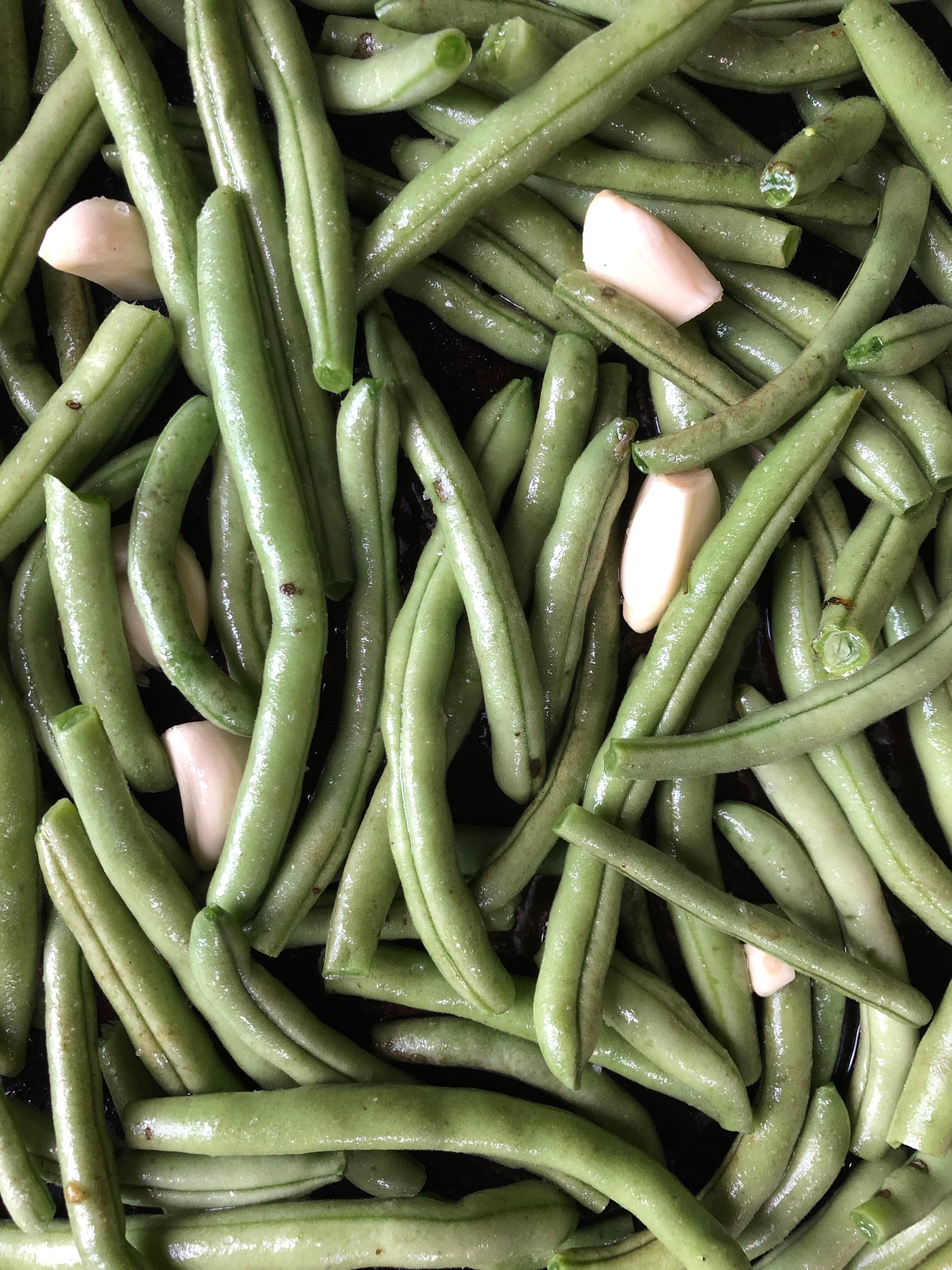 Green beans prepped with garlic