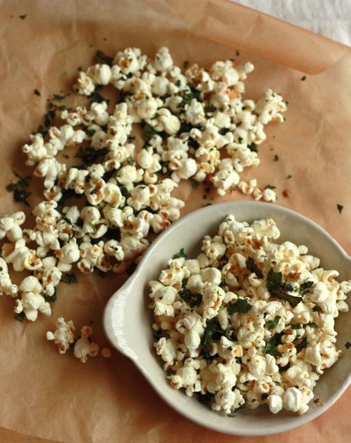 kale chip popcorn.jpg