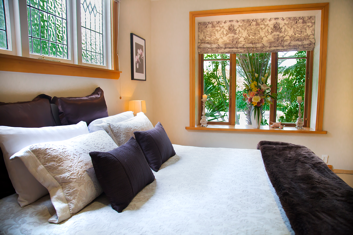 Motueka-River-Lodge-Lower-Suite-bedroom.jpg