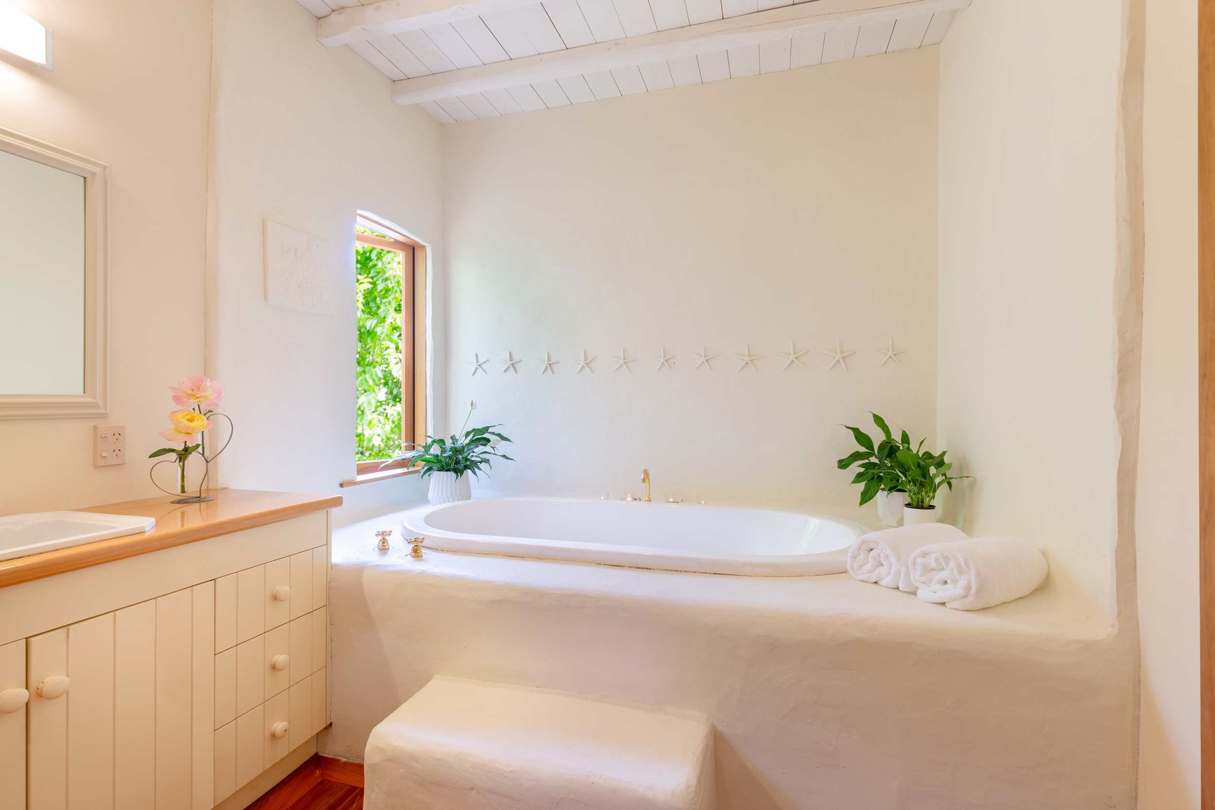 Motueka-River-Lodge-The-Cottage-Bathroom.jpg