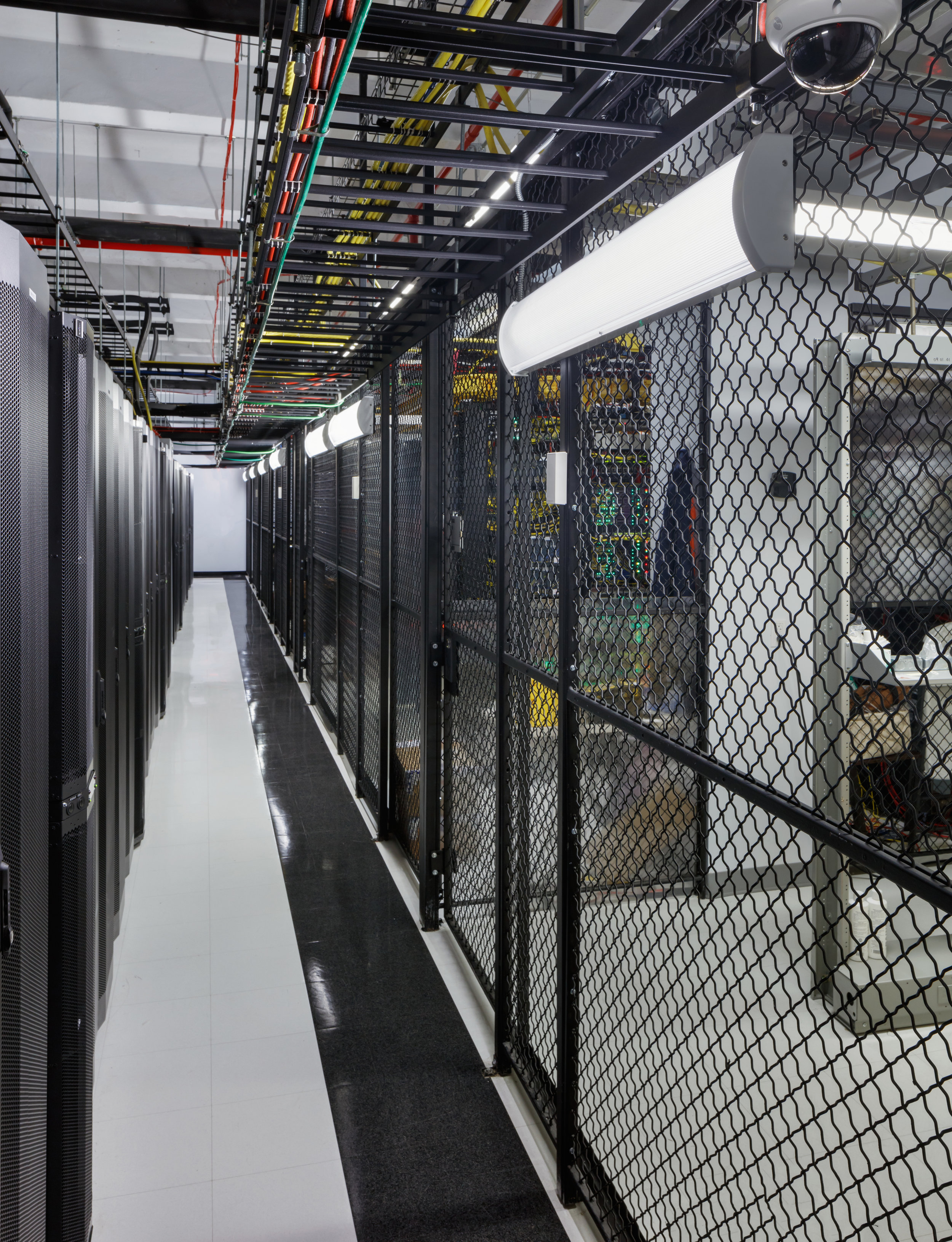 MMR Cages