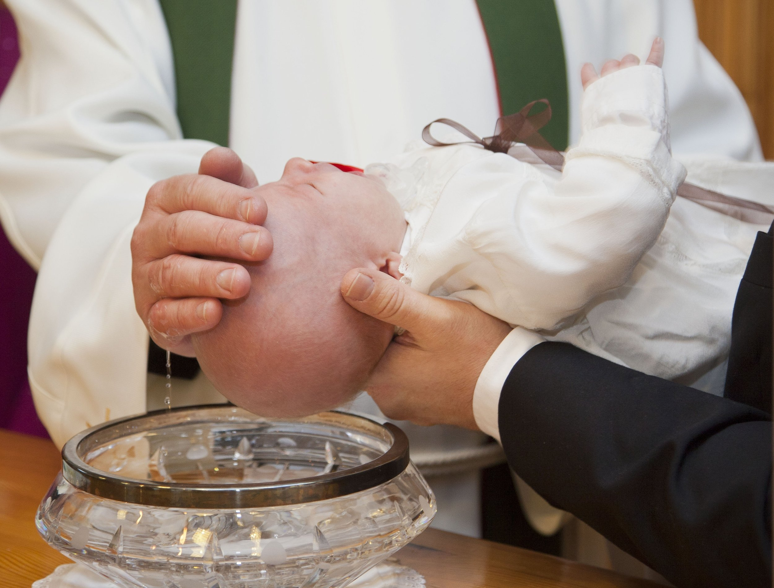 Sacrament of Baptism (Pastor with Green Stole)