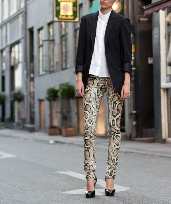 Snakeskin pants with b&w -