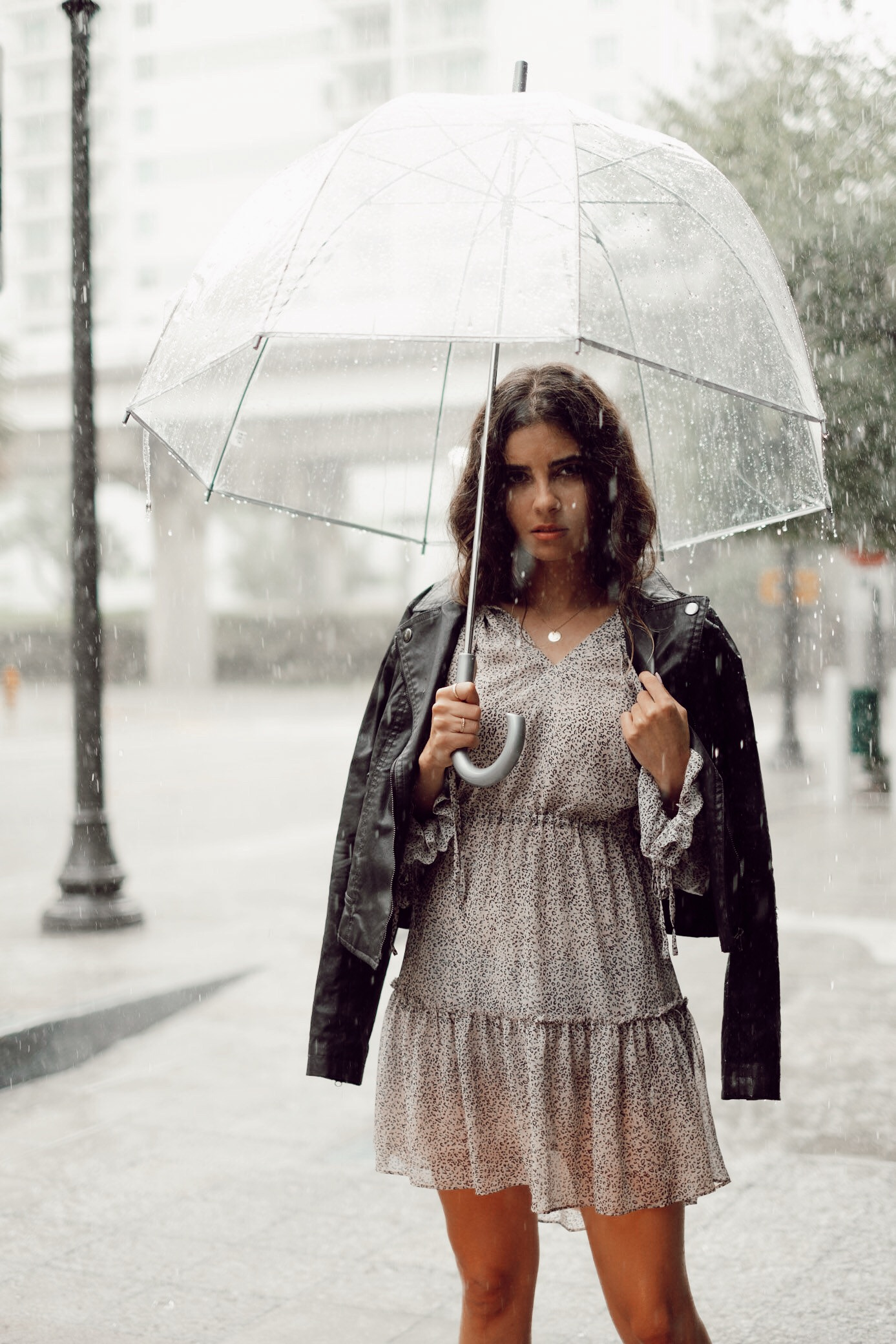 How To Stay Stylish In Rainy Weather - The secret to staying stylish in a rainy weather is to invest in…
