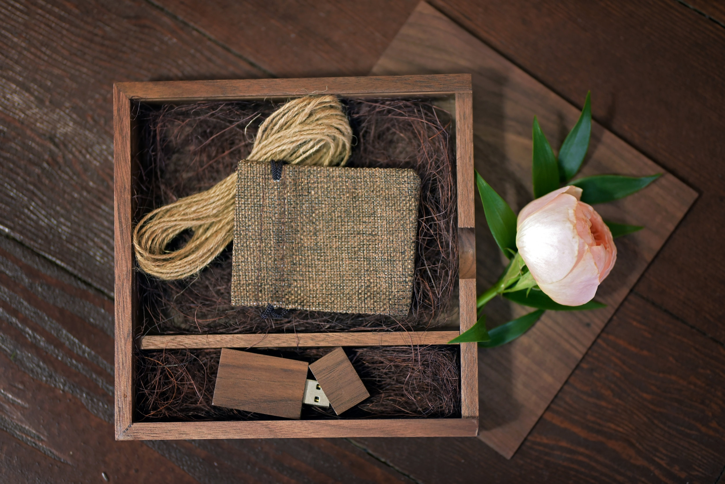 Luxury Wood Image Box - A Beautiful Oak Box holds a variety of Gift Prints and your Wedding Day Images & Print Release on a wooden USB.
