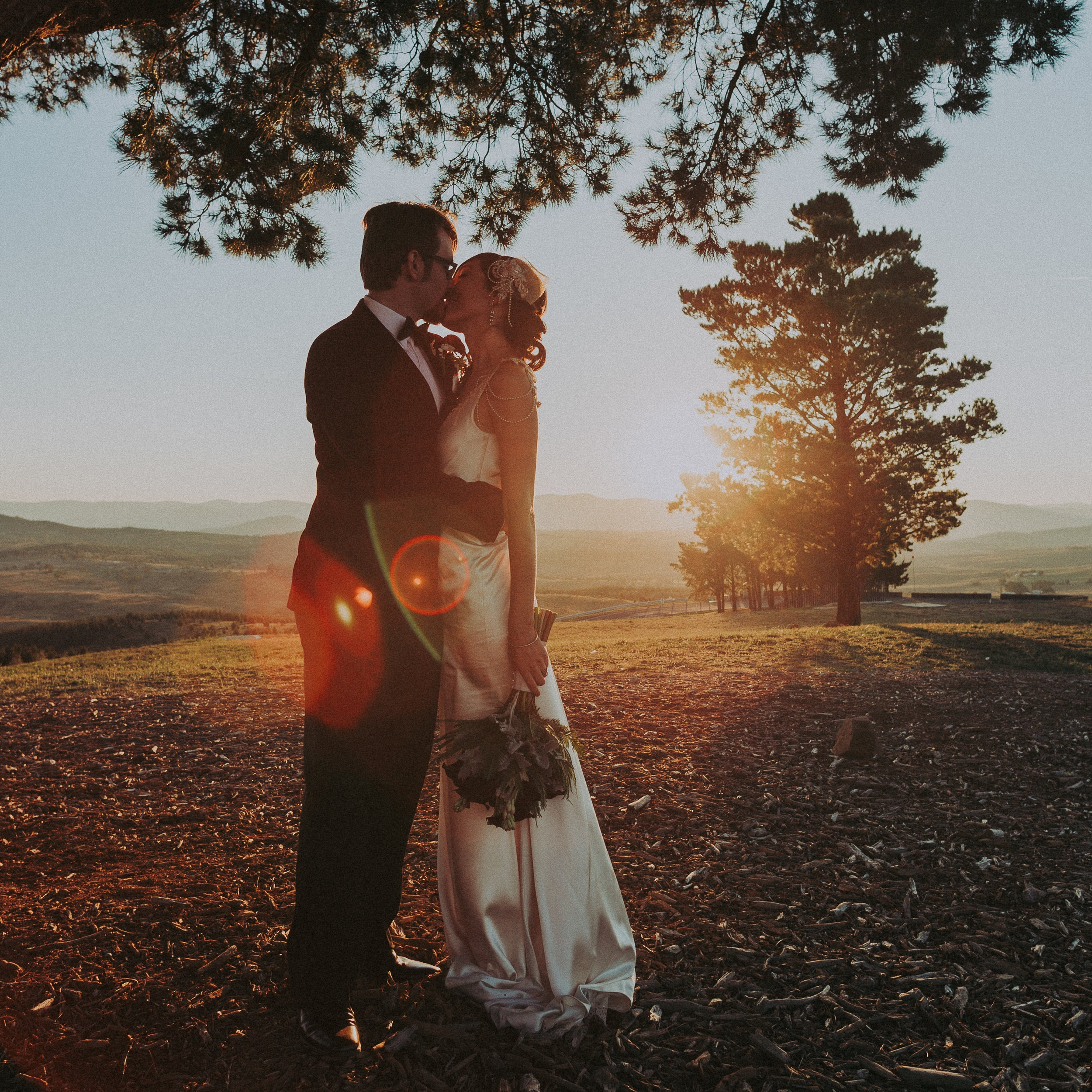 Elopement and intimate weddings - Covers ceremony / First look, and photo shoot at multiple locations.A total of 4 hours.