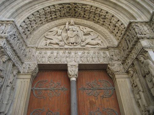 St. Trophime church facade