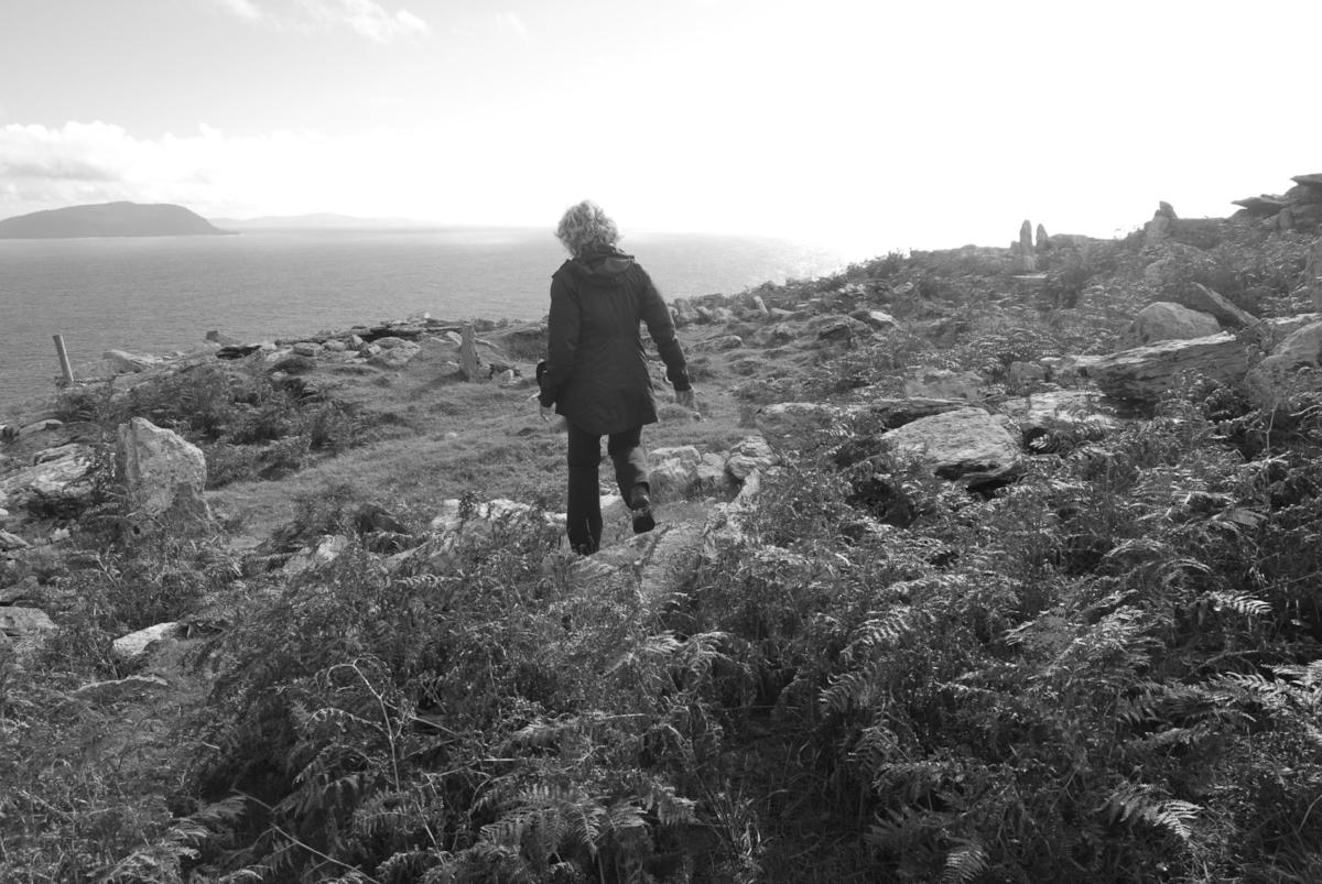 Walking the cliffs of Kerry by Ballinskelligs Bay
