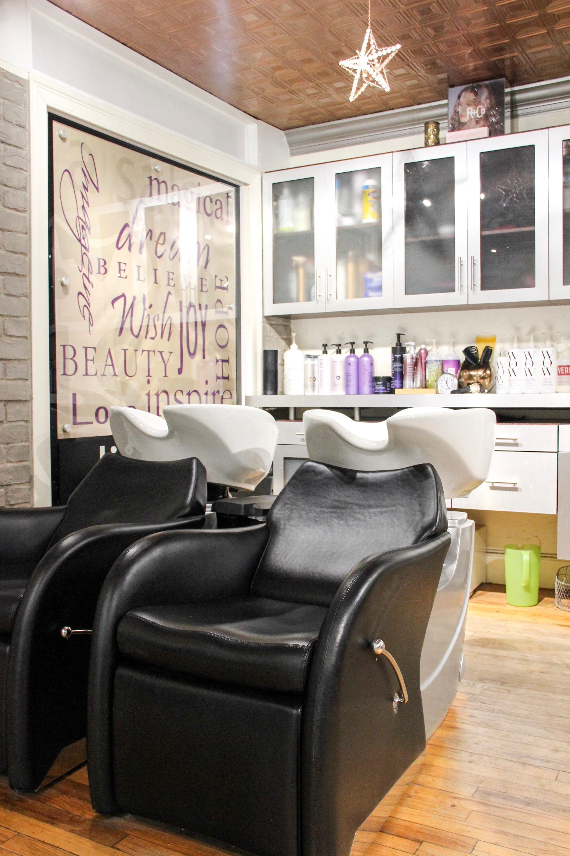 Lis A Lis Salon